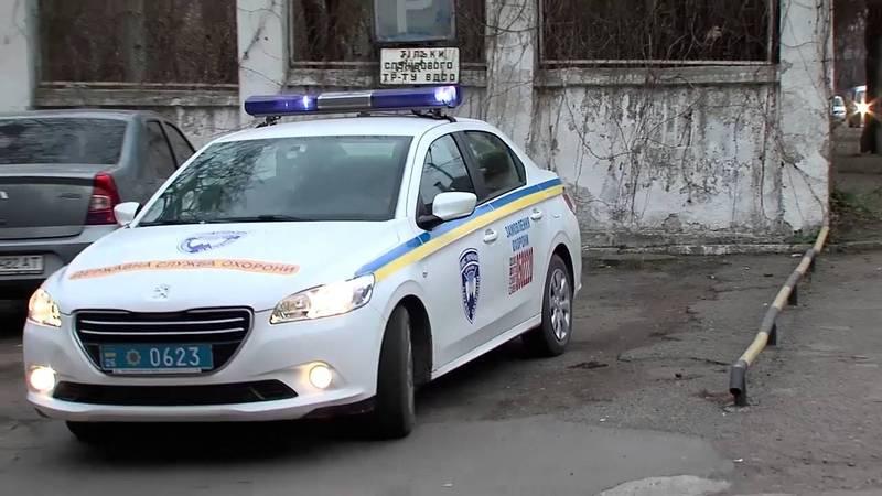 Правоохоронці затримали йомвірного хулігана та доставили до відділку поліції