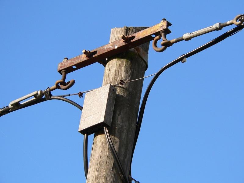 Чоловік, маючи непогашену судимість, викрав сотні метрі телефонних дротів