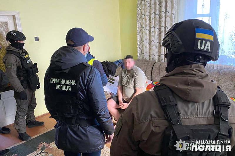 Ймовірні зловмисники також вчинили ряд тяжких злочинів у інших областях України