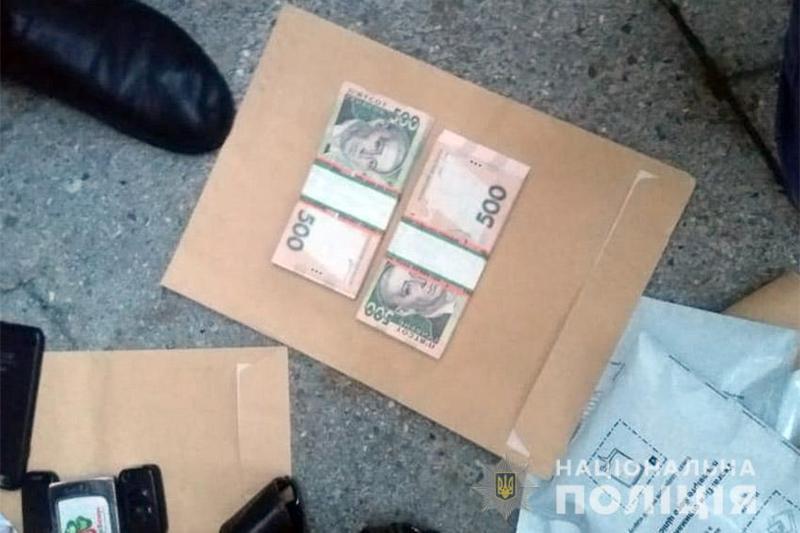 У Хмельницькому поліцейські-детективи затримали вимагача