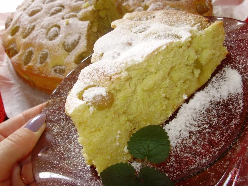 Ароматний, повітряний, легкий пиріг, автором якого є знаменитий англійський кухар — James Trevor «Jamie» Oliver.