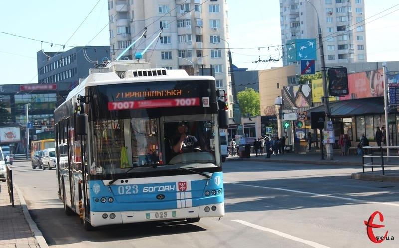Заплановано, що з 1 липня у хмельницьких тролейбусах перестануть приймати готівку