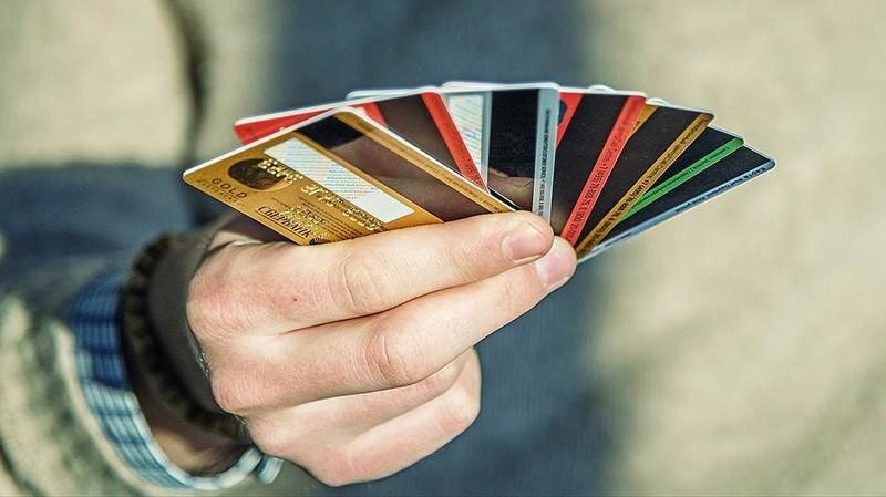 У поліції вкотре нагадують, що повідомляти реквізити банківської картки не можна навіть працівникам фінансових установ. Тим паче телефоном