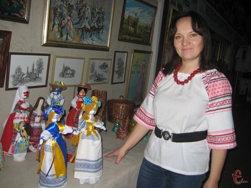 Найбільше у колекції Наталі Чопи ляльок-мотанок