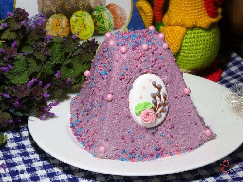 Десерт виходить таким ніжним, немов сирна хмаринка, із яскравим вишневим смаком та ароматом.
