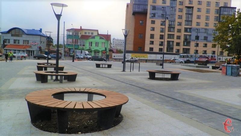 Нову зону відпочинку, яка нещодавно з'явилася у Хмельницькому, назвали сквером Бандери