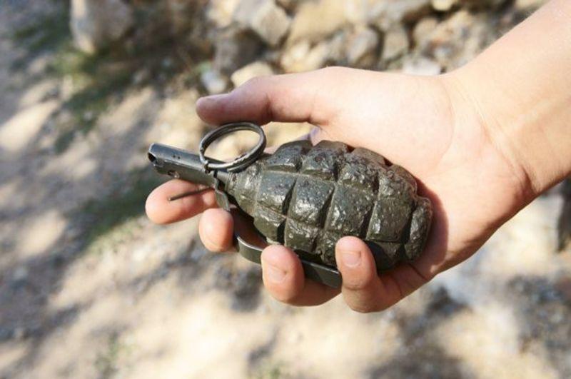 Патрульні, що приїхали на виклик про сімейну сварку виявили в будинку бойову гранату.