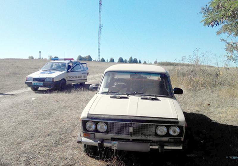 Автомобіль перестав працювати вже в полі й підозрюваний пішов пішки додому