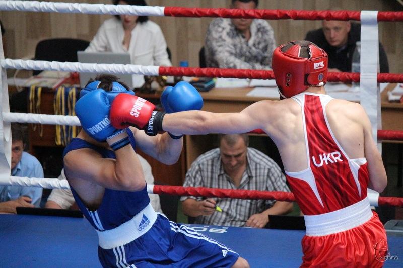 Традиційний боксерський турнір у Хмельницькому тривав декілька днів