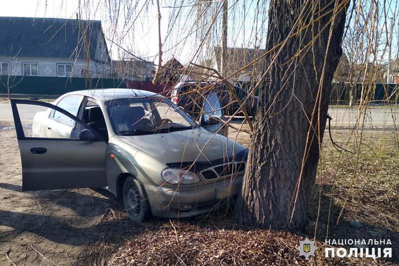 На Хмельниччині поліцейські затримали 23-річну жінку, яка викрала автівку і привласнила кошти водія