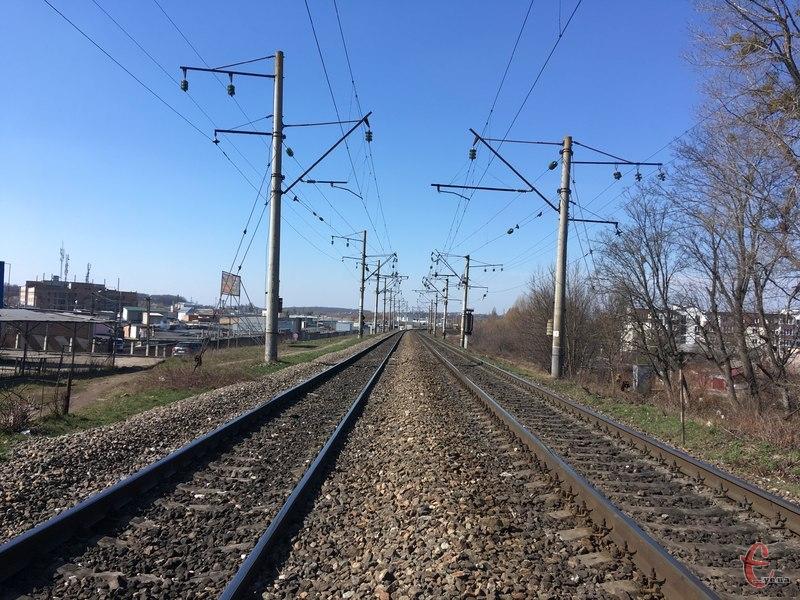 За крадіжку деталей залізничних рейок житель Шепетівського району сплатить штраф