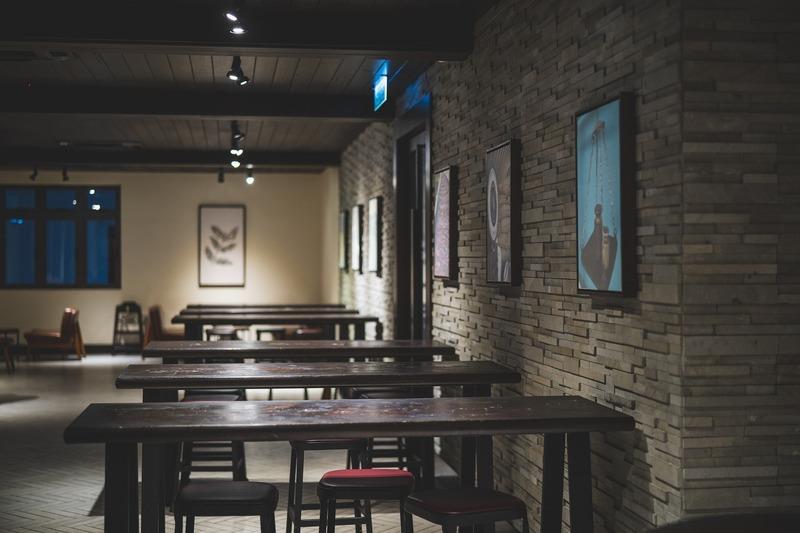Підприємиця пояснила, що двері кафе «заблокувалися», тому відвідувачі вчасно не могли вийти з нього