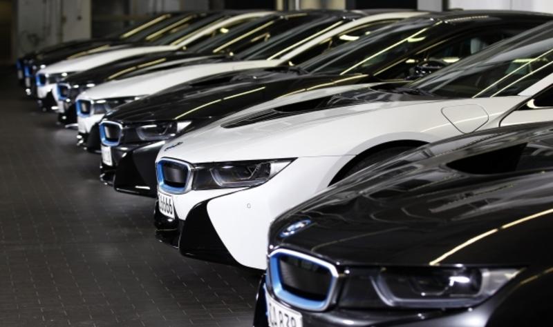 Власники дорогих авто збагатили місцеві бюджети Хмельниччини на 1,1 мільйона гривень транспортного податку