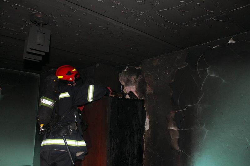Під час ліквідації загоряння у квартирі вогнеборці врятували чоловіка
