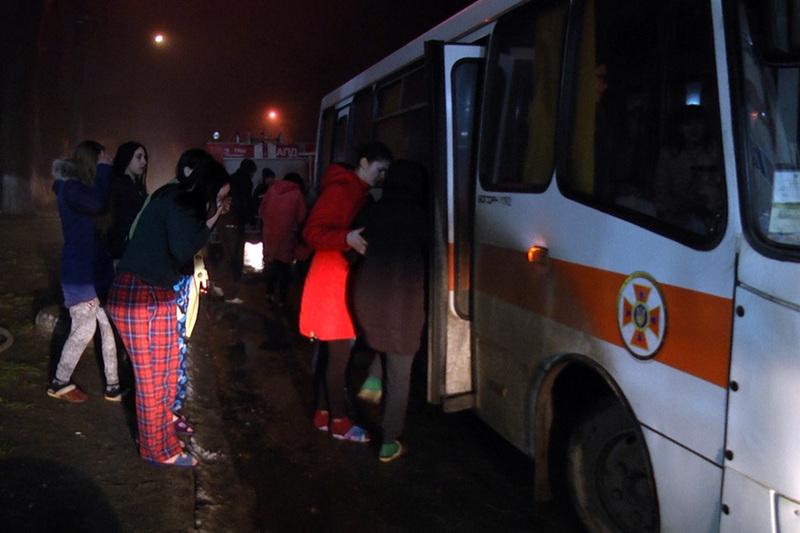 Студентів, які перебували у гуртожитку, евакуювали