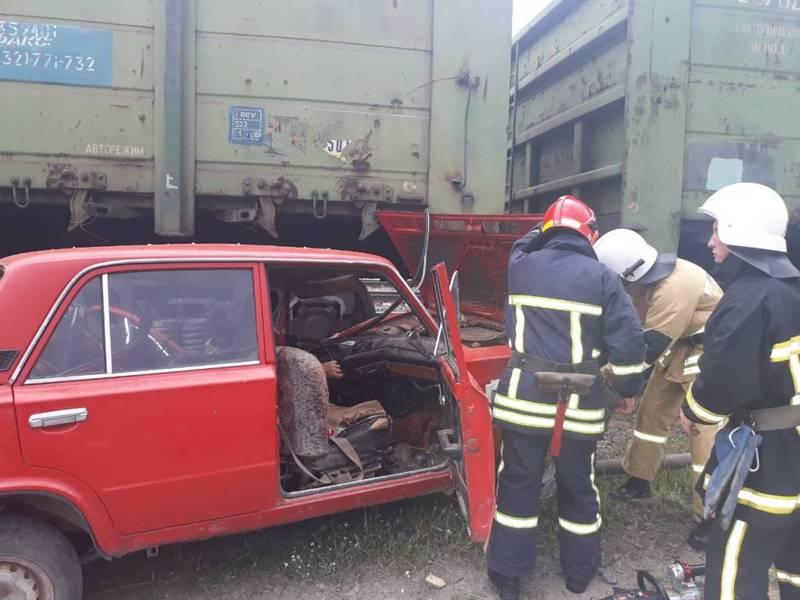 На Хмельниччині водій «ВАЗу» загинув в результаті зіткнення із залізничним вагоном