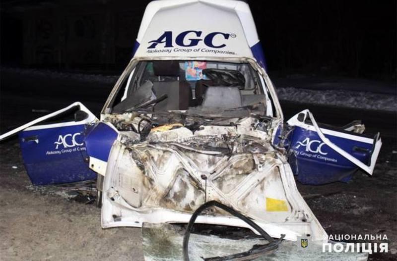 Аварія неподалік Хмельницького забрала життя двох людей