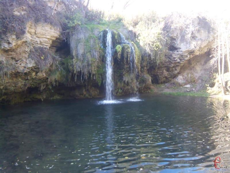 Серед туристичних принад Дунаєвеччини - і водоспад Бурбун