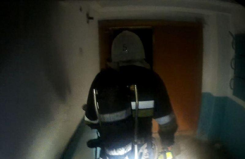 Під час розвідки бійцям вдалося врятувати 26-річного чоловіка, який на той момент знаходився у квартирі