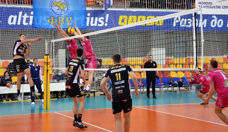 ВК Епіцентр-Подоляни у 14 матчах чемпіонату України з волейболу здобув 14 перемог