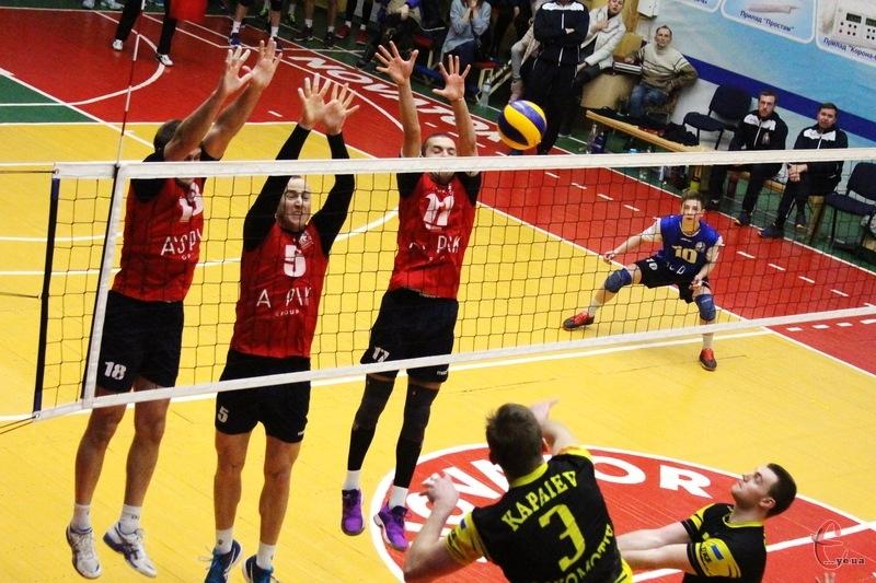 Новатор та Локомотив зіграли матчі 11 туру не в Хмельницькому, а в Городку