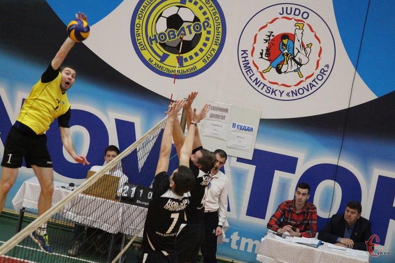 Хмельницький Новатор-2 у вищій лізі в сезоні 2016-2017 років посів 6 місце