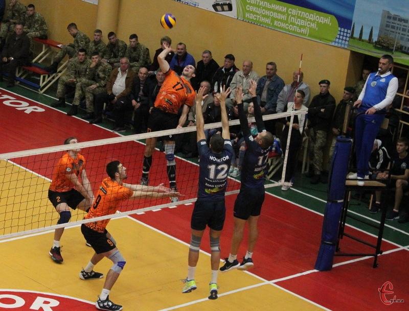 Новатор та Барком-Кажани провели два матчі в Хмельницькому. І двічі сильнішими були гості зі Львова