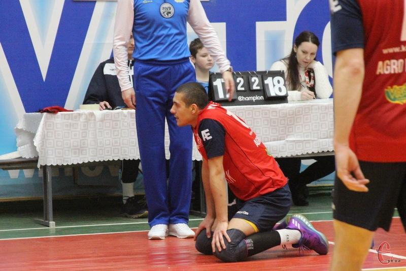 Новатор вдома програв матч Вінниці з рахунком 2:3