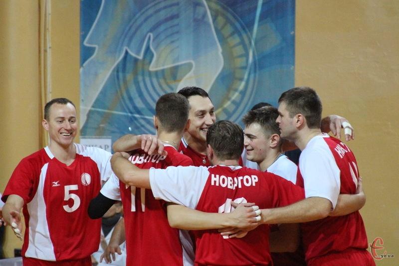 Хмельницькі волейболісти, якщо 17 січня переможуть команду з Буковини, достроково посядуть перше місце в групі