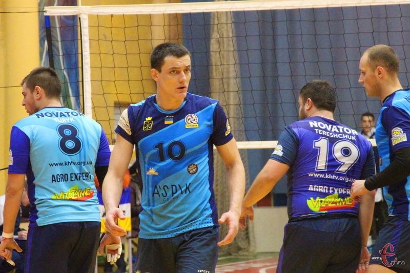 Олексій Денін (№10) більше не є гравцем хмельницького