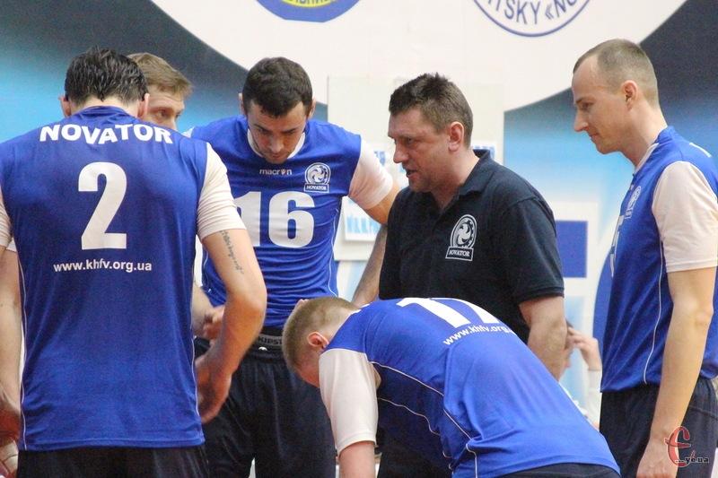 Хмельницькому Новатору, аби стати бронзовим призером чемпіонату України, потрібно виграти три поспіль матчі в вінничан