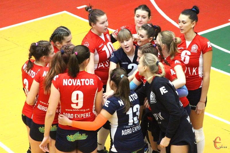 Волейболістки хмельницького Новатора виграли всі матчі першого етапу. Попереду - фінальна частина змагань