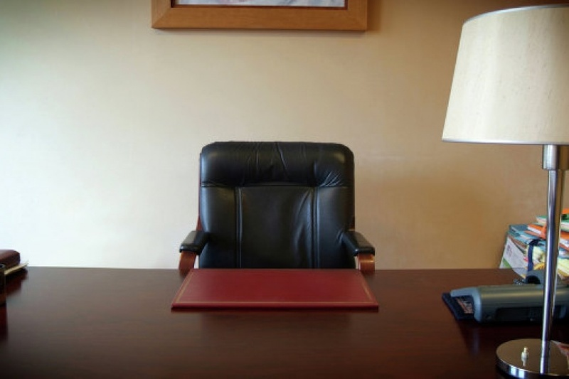 Посад позбавили дванадцяти голів райдержадміністрацій Хмельниччини