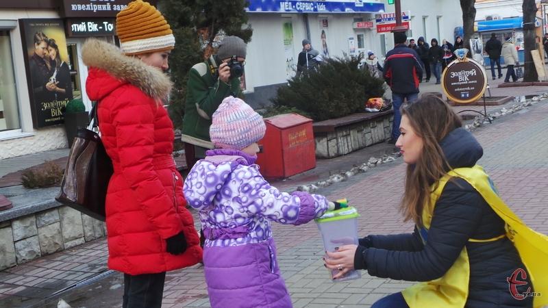 Волонтери збирають кошти на лікування земляка