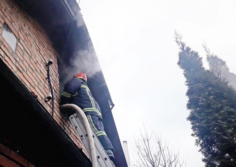 До гасіння пожежі залучались 9 вогнеборців