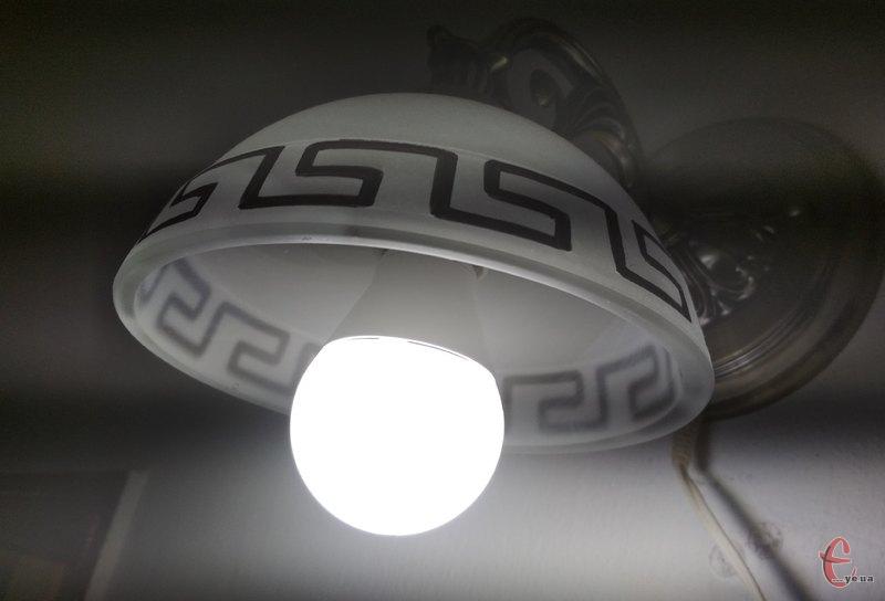 Світла у помешканях хмельничан не буде впродовж восьми годин