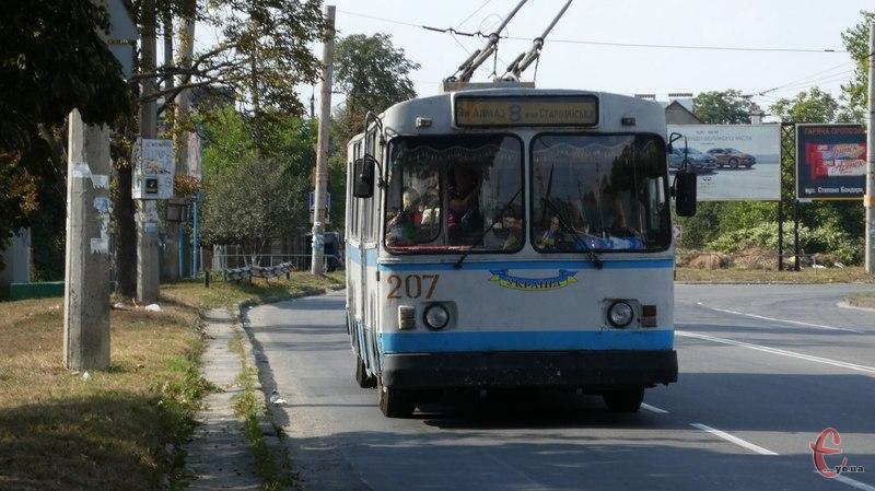 У п'ятницю з 10.00 до 17.00 години не будуть їздити тролейбуси у напрямок мікрорайону Ракове