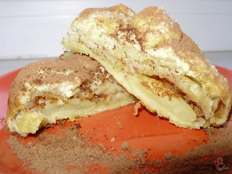 Ці булочки називають по-різному: яблука в «халатиках», «мішечках», «шубках», «конвертиках»