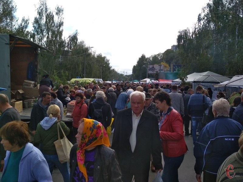 На ярмарку завітала багато хмельничан та гостей міста