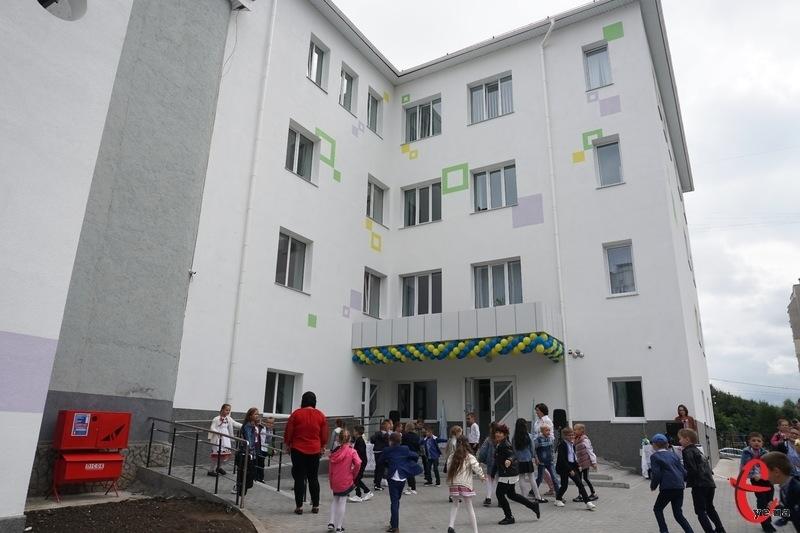 Від завтра в Україні починає діяти «жовтий» рівень епідеміологічної небезпеки і встановлюються певні вимоги до роботи освітніх закладів