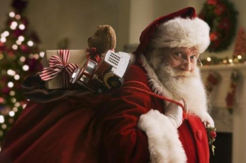 Звідки подарунки насправді беруться? Хто ховається за білою бородою?