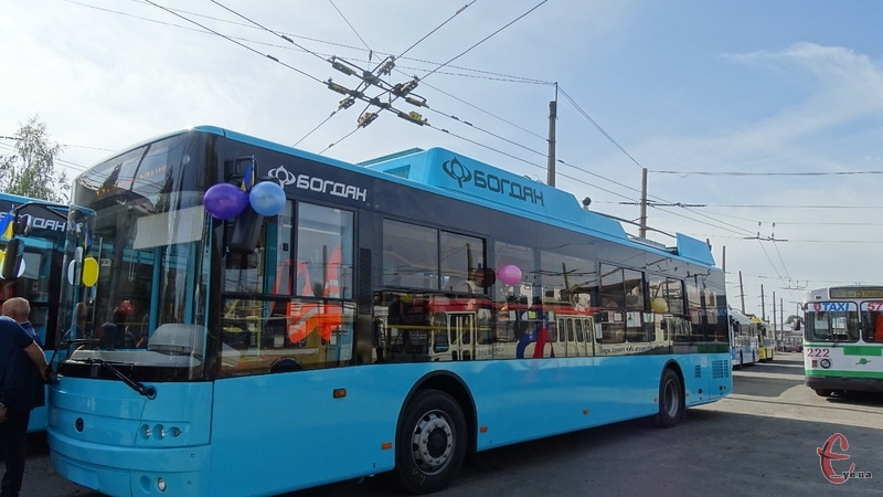 У тролейбусах в тестовому режимі працює контрольна служба
