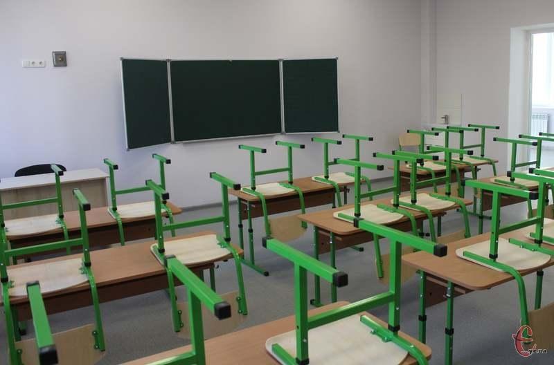 Школи Хмельницького з понеділка працюють у звичному режимі