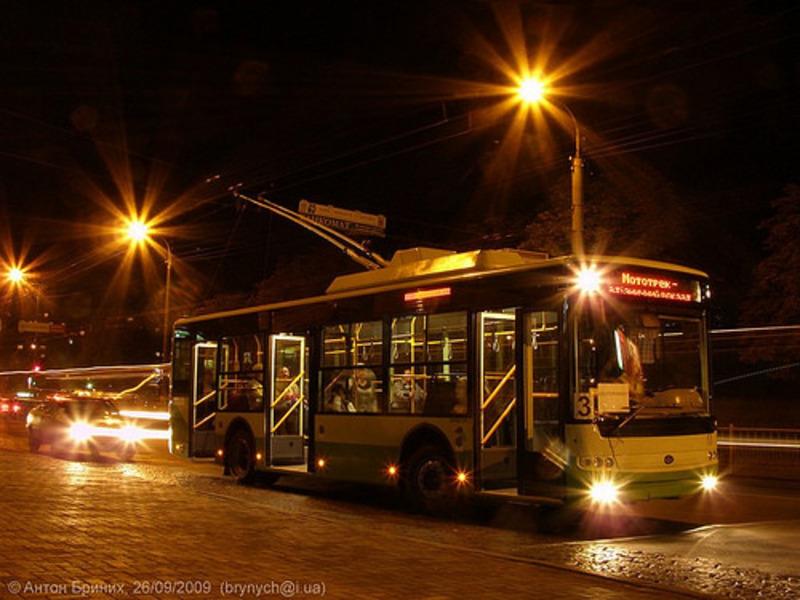 Нічний тролейбус у Рівному фінансує міська рада.