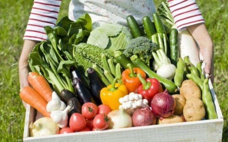 Практично всі овочі краще варити в трохи підсоленій воді.