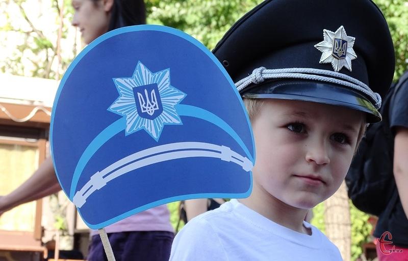 Дітям правоохоронці розповіли про роботу поліцейського