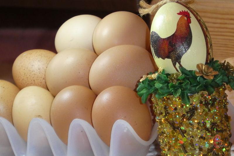 В переварених яєць погіршується якість білка, тому не варто варити їх понад 10 хвилин!