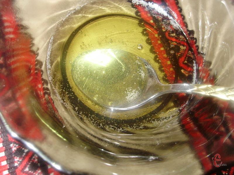 Найідеальніший замінник патоки, без якої не приготуєш красивої дзеркальної глазурі та не спечеш смачного різдвяного кексу!