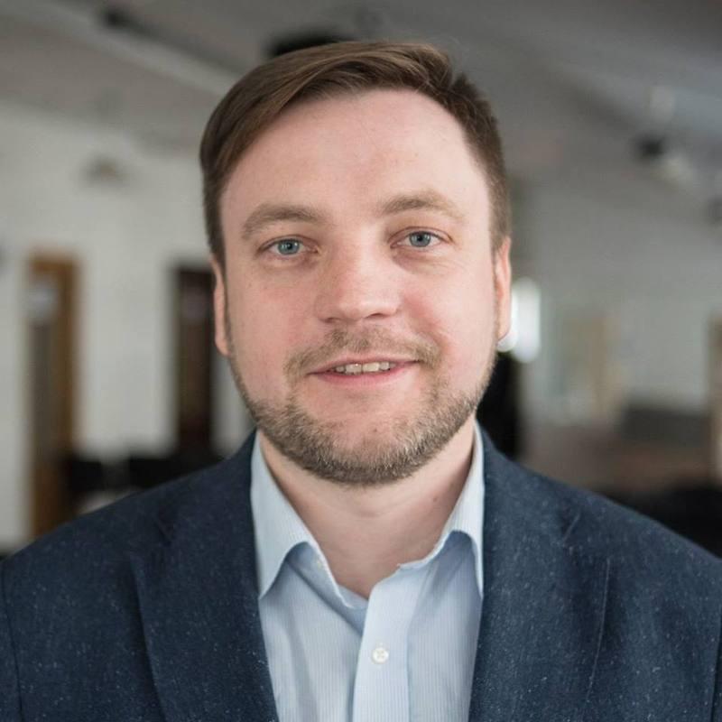 Денис Монастирський був обраний за партійним списком «Слуги народу», в якому він займав 19-у позицію