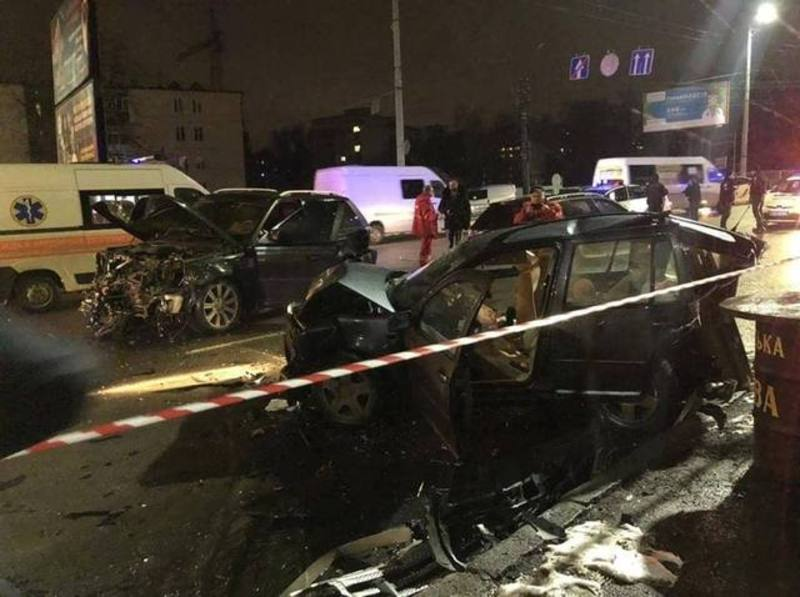 У Хмельницькому 2 січня сталася аварія на Львівському шосе, в якій щонайменше двоє людей зазнали травм